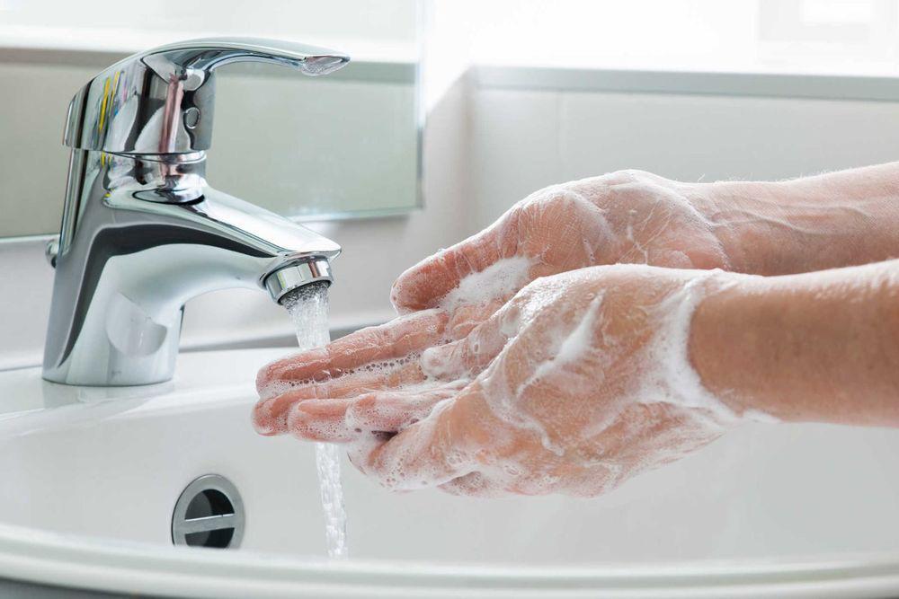 rửa tay sạch sẽ